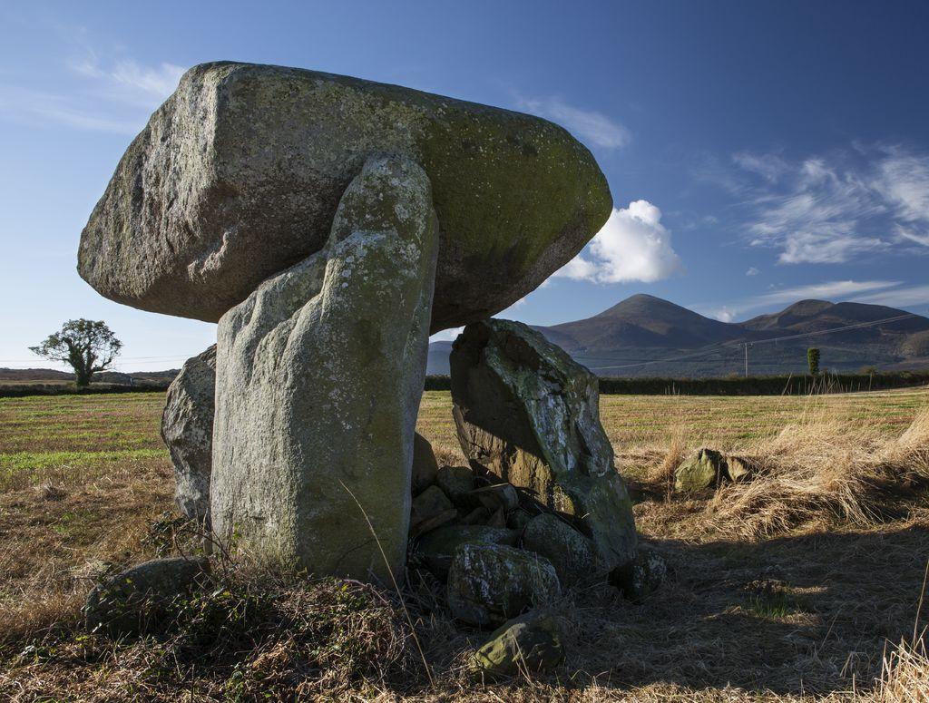Celti d'Irlanda - Slidderyford Dolmen at Murlough. Picture by Bernie Brown