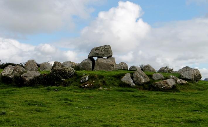 Carrowmore Megalithic Cemetery - Sligo - immagine Fáilte Ireland