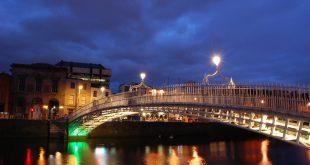 ha'penny bridge - dublino, irlanda - italishmagazine