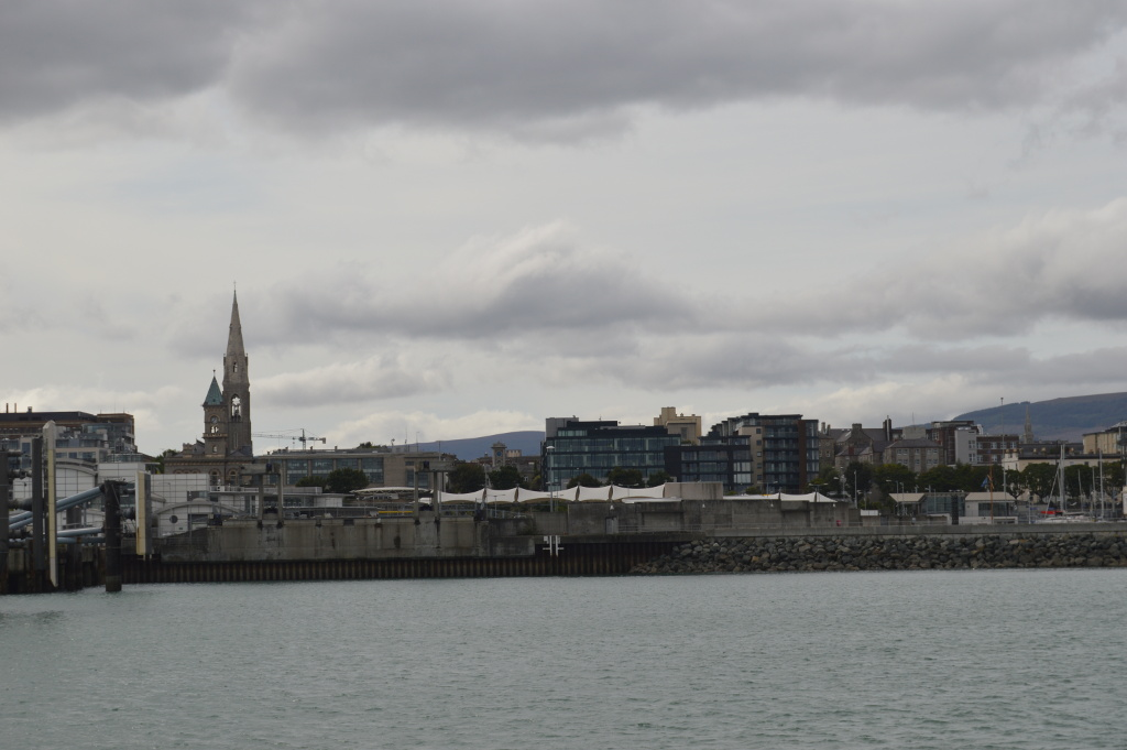 dublino dal mare 08 - dun laoghaire panorama